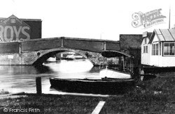 Wroxham, The Bridge c.1940