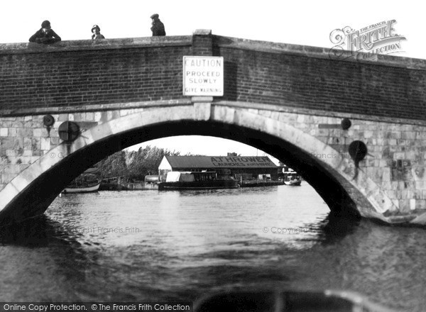Photo of Wroxham, The Bridge c.1940