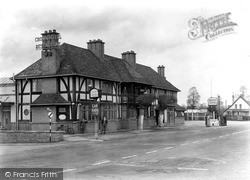 The Crown Hotel c.1950, Wychbold