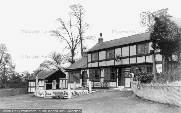 Photo of Wychbold, The Robin Hood c.1950