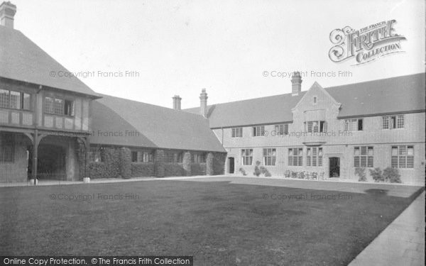 Photo of Wye, College 1918