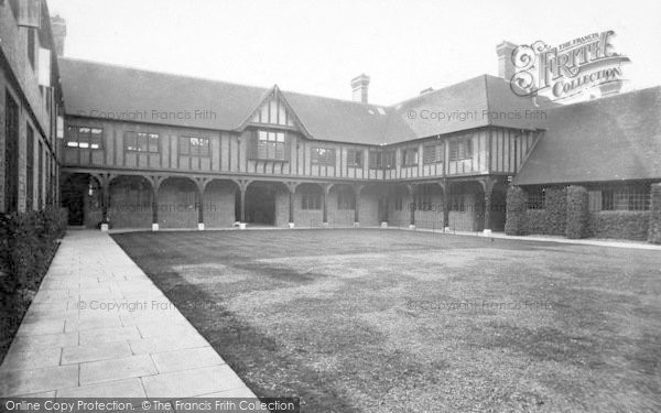 Photo of Wye, College 1918