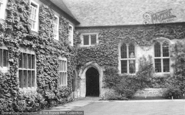 Photo of Wye, College, The Quadrangle c.1965