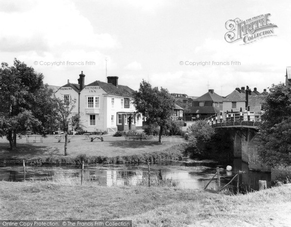 Photo of Wye, the Victoria Inn c1955