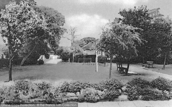 Photo of Wymondham, Priory Gardens c.1960