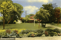 Wymondham, Priory Gardens c.1960