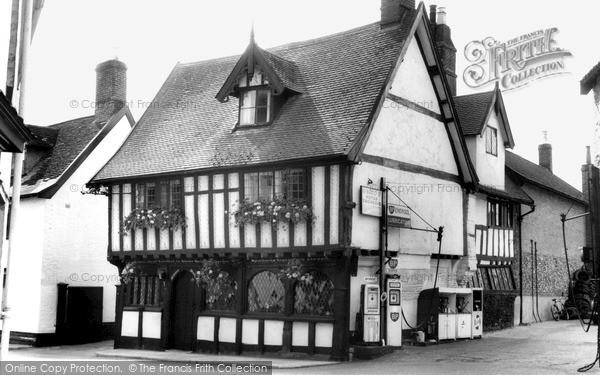 Photo of Wymondham, The Green Dragon, Church Street c.1965
