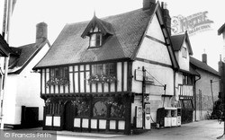 Wymondham, The Green Dragon, Church Street c.1965