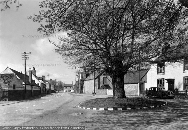 Photo of Wyre Piddle, The Arbour Oak c.1955