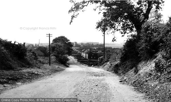Photo of Yaddlethorpe, Main Road c.1955