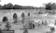 Yalding, the Bridge c1960