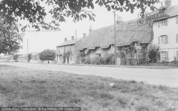 Photo of Yardley Gobion, Grafton Road c.1965