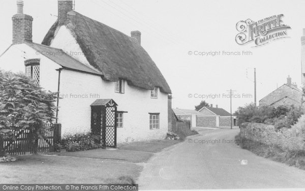 Photo of Yardley Gobion, Moorend Road c.1965