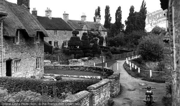 Photo of Yardley Hastings, Little Lane c.1952