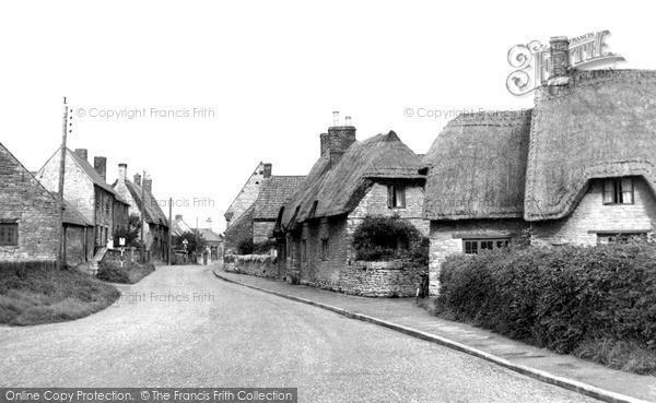 Photo of Yardley Hastings, Little Street c1955