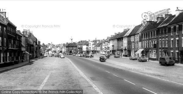 Photo of Yarm, High Street c.1960