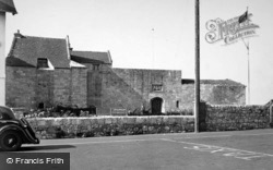Yarmouth, Castle c.1955