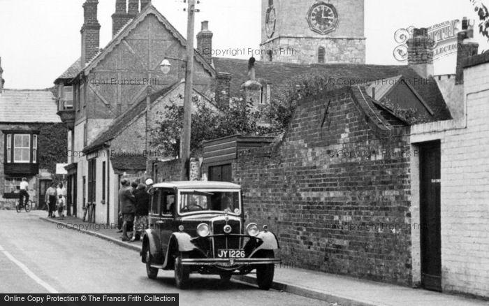 Photo of Yarmouth, Morris Major Car c.1955