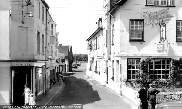 Photo of Yarmouth, Quay Street c.1955