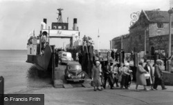 Yarmouth, The Ferry c.1960