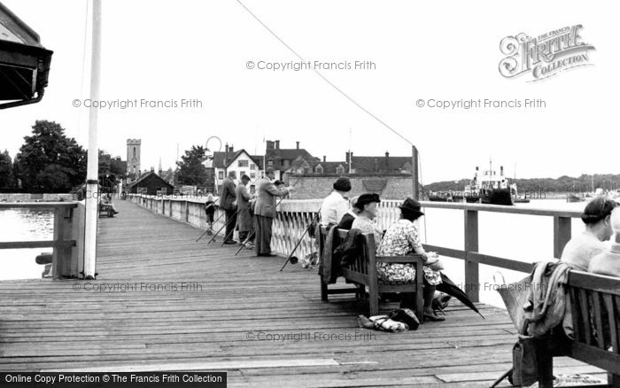 Photo of Yarmouth, The Pier c.1955