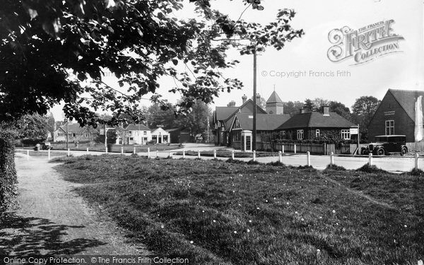 Photo of Yateley, Green And Post Office 1939