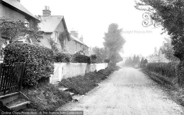 Photo of Yateley, Mill Lane 1919