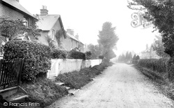 Yateley, Mill Lane 1919