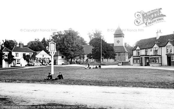 Photo of Yateley, The Village Green And St Peter's Church 1906