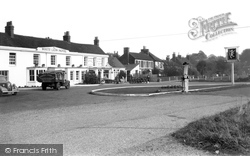 Yateley, The White Lion c.1950