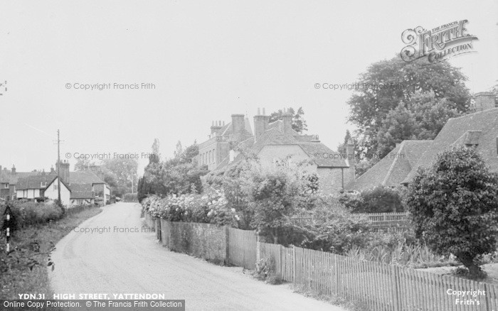 Photo of Yattendon, High Street c.1960