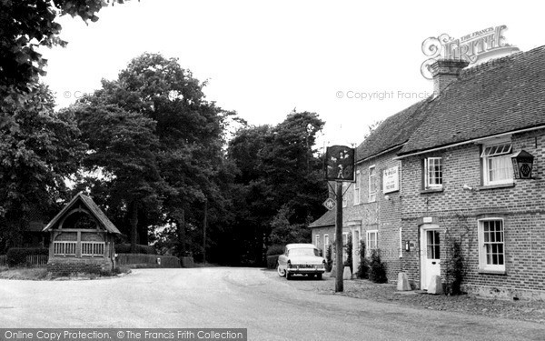 Photo of Yattendon, The Royal Oak And Old Well c.1960
