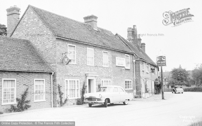 Photo of Yattendon, The Royal Oak c.1960