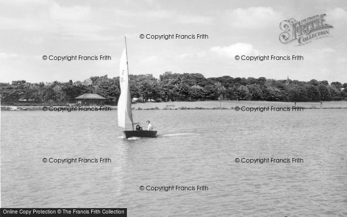Photo of Yeadon, Sailing At The Tarn c.1965