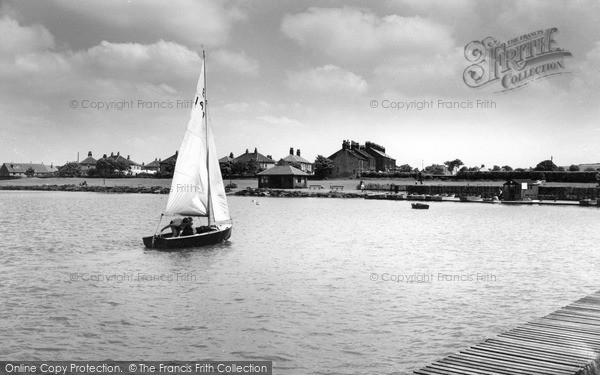 Photo of Yeadon, Sailing At The Tarn c.1965