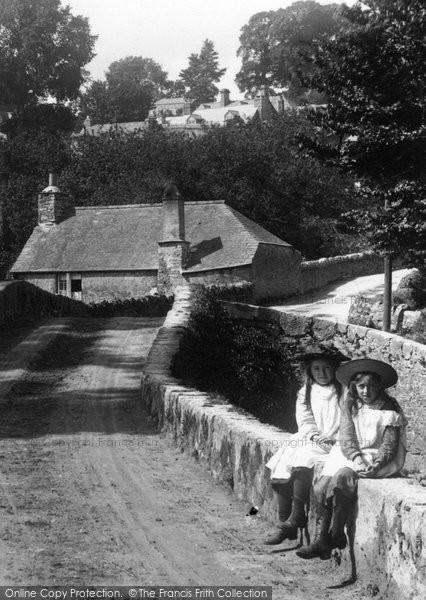 Photo of Yealmpton, Girls On The Bridge 1904