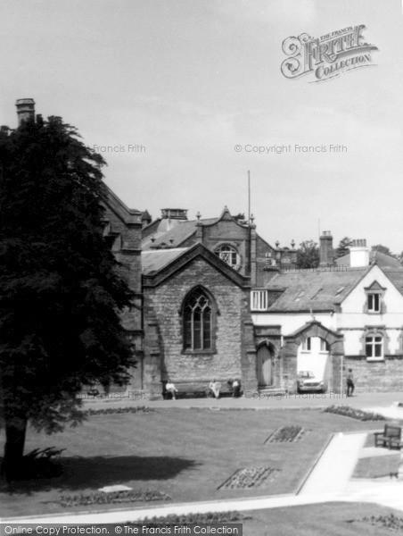 Photo of Yeovil, By The Parish Church c.1965