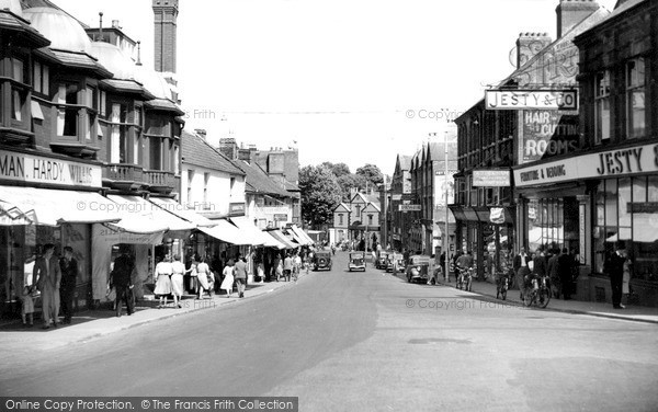 Photo of Yeovil, Middle Street c.1950