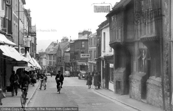 Photo of Yeovil, Middle Street c.1955
