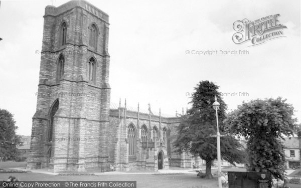 Photo of Yeovil, Parish Church c.1965
