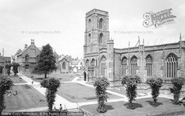 Photo of Yeovil, Park And Parish Church c.1965