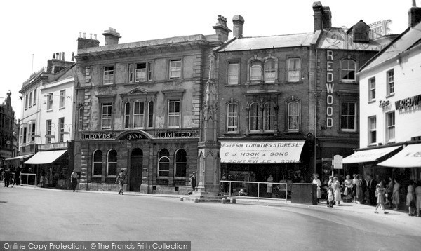 Photo of Yeovil, The Borough c.1955