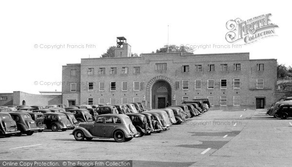 Photo of Yeovil, The Car Park And The Law Courts c.1955
