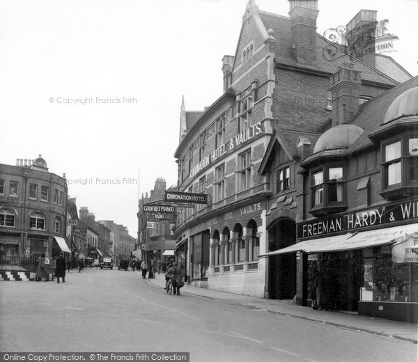 Photo of Yeovil, The Triangle c.1950