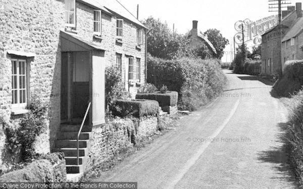 Photo of Yetminster, Melbury Road c.1960