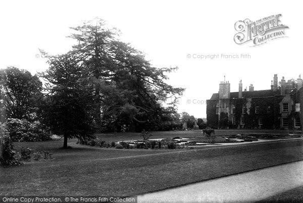 Photo of York, Bishopthorpe Palace Gardens 1893