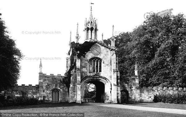 Photo of York, Bishopthorpe Palace Gate c.1885