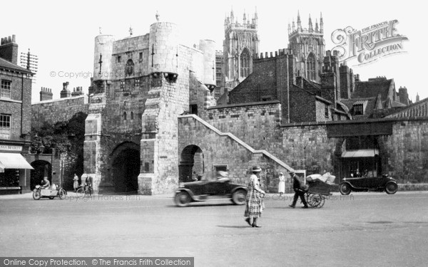 Photo of York, Bootham Bar c1939