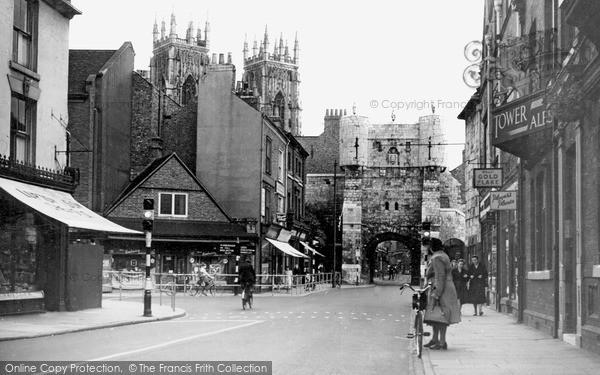 Photo of York, Bootham Bar c.1939