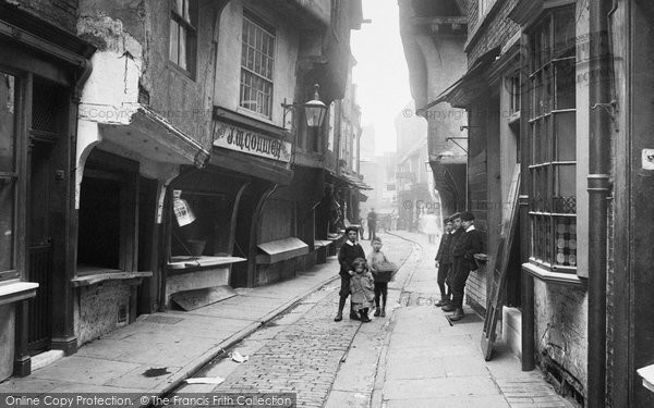 Photo of York, Children In The Shambles 1909